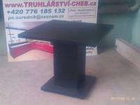 Stůl z MDF, barva černá